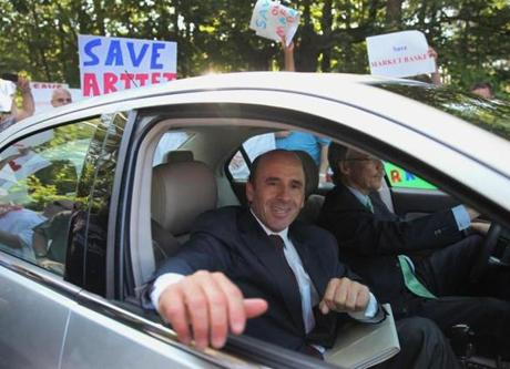 A deal to sell Market Basket to Arthur T. Demoulas has been signed, a source said.